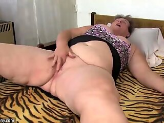 OldNanny Two chubby woman mastrurbating with toy