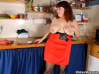lush mummy in pantyhose fondles pussy with dish brush