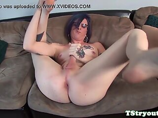 Alternative tgirl wanks solo on casting couch