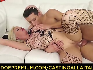 CASTING ALLA ITALIANA - Blonde MILF in fishnet deep anal