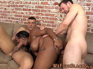 Fat black babe gets dped