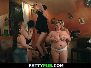 Huge boobs bbw group sex in the club