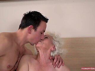 Old slut ravished by a nasty fucker