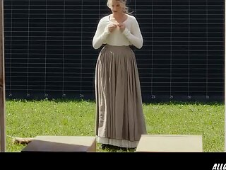 Meisha Lowe in Eadward