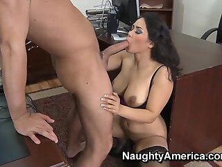 Jessica Bangkok's pussy looks interesting to Will Powers
