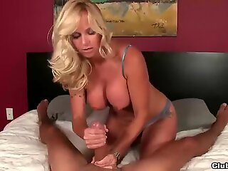 meaty cougar kinky hand job